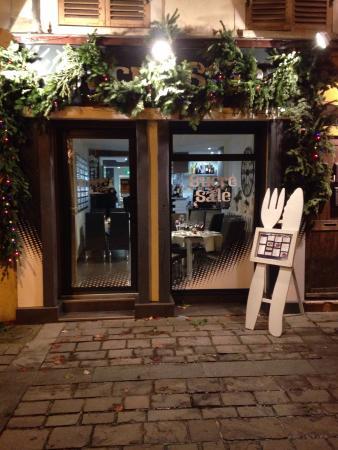 restaurant Sucre' sale