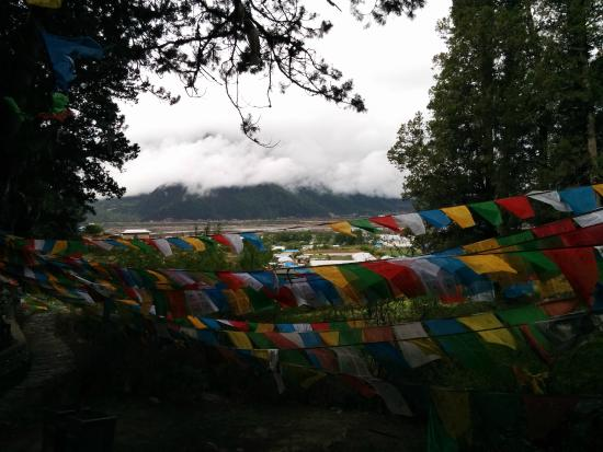 Giant Cypress Nature Reserve of Bajie, Nyingchi: Prayer flags