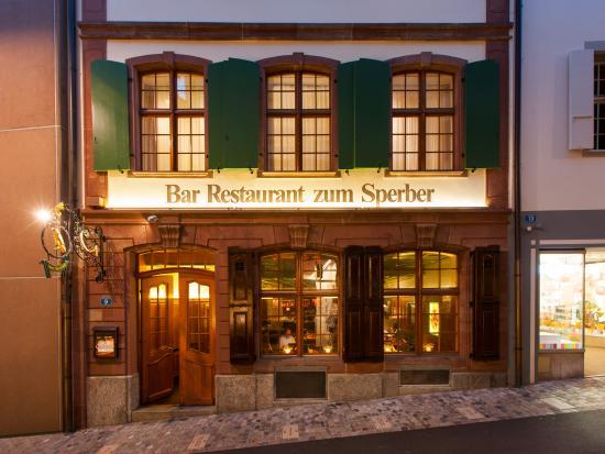 Sperber Bar: Sperber Aussenfassade