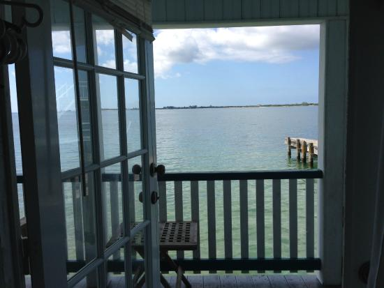 Lazy Daze on the Bay: View from boat house´s room