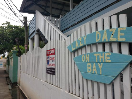 Lazy Daze on the Bay: Front façade