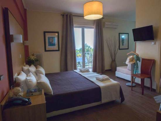 Myrto Hotel: Standard Triple