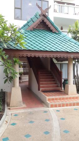 Baan Karonburi Resort: возле ресепшен