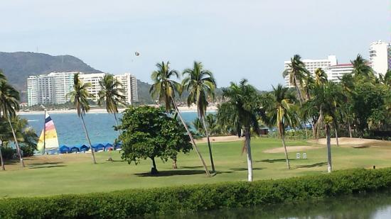 Campo de Golf Ixtapa: From Forward Tees at 15