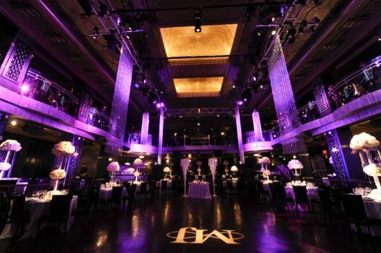 Edison Ballroom: Dramatic lighting of the Ballroom with room for a dance floor