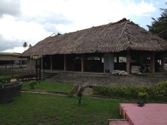 Equatorial Guinea: El Amanecer de Mbini