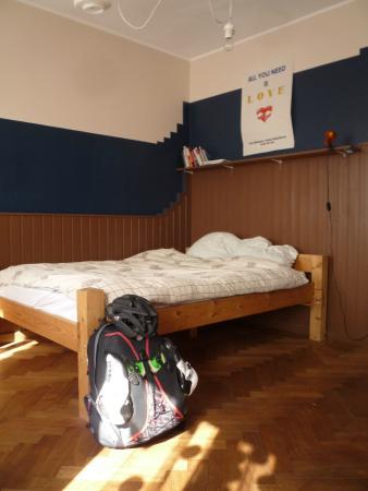 Terviseks : Большая деревянная кровать