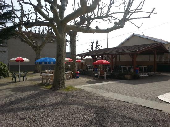 Sablons, France: L'extérieur
