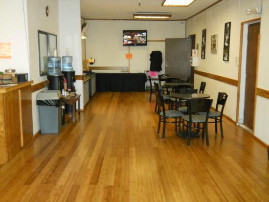 GuestHouse Inn & Suites Eugene / Springfield: Breakfast Bar