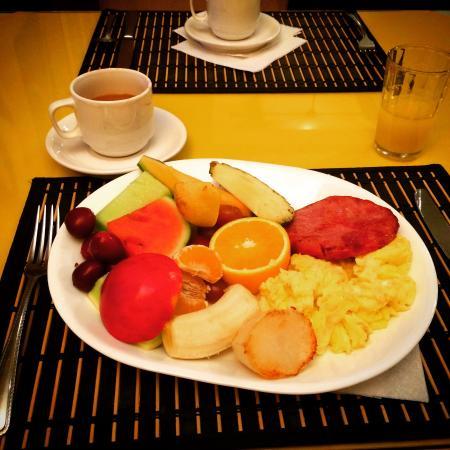 Lakelawn B&B Motel: Lovely breakfast