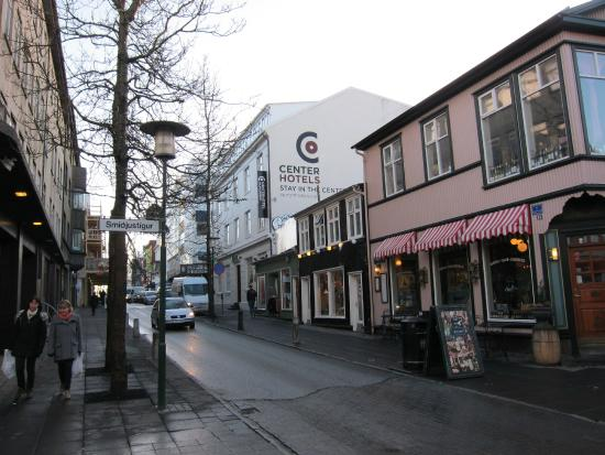 CenterHotel Skjaldbreid: On the main street.