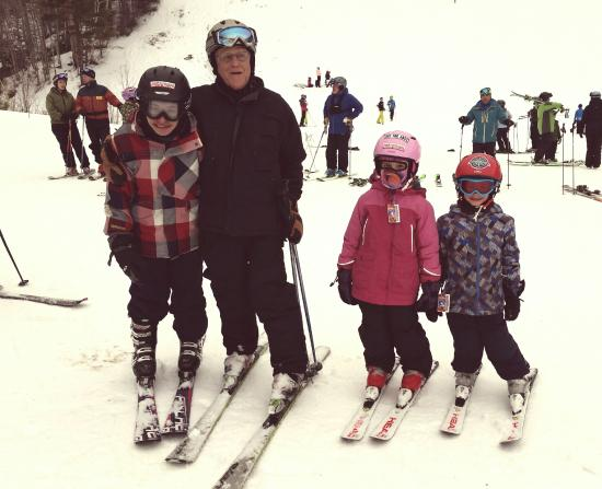 Starksboro, VT: Alan given the kids some to ski Mad River Glen!!