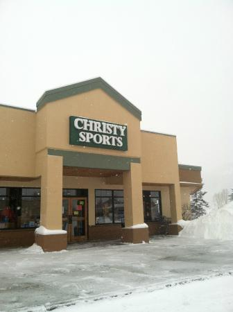 Feb 15,  · Though the Christy Sports gondola square location always seemed busy, they were very efficient every time we stopped in (picking up rentals, dropping off/picking up from free storage every day, returning rentals).5/5(51).