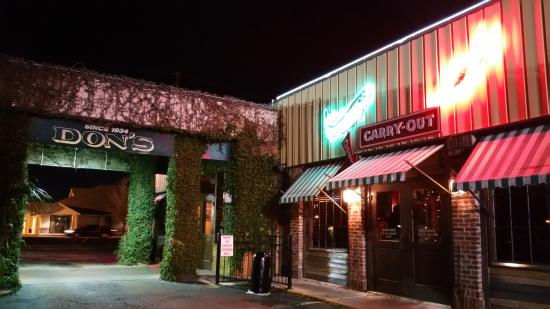 DON'S Seafood: Outside