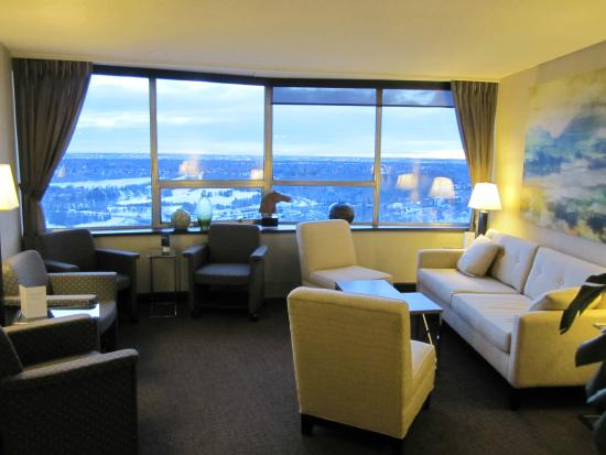 Chateau Lacombe Hotel: Views from the hotel