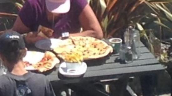Waimea Restaurant: That's a real Pizza