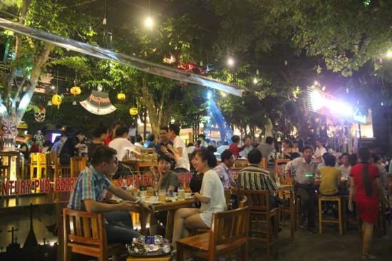 Century Pub Beer Garden