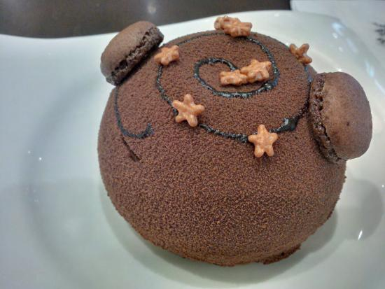 The Coffee Connoisseur : Chocolate Cherry Dome