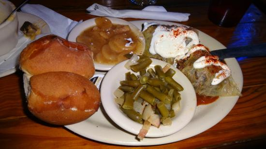 The Auslander Restaurant: the poor main dish (cabbage, green beans, potato salad)