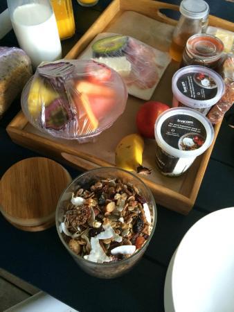 Cavvanbah Beach House: our beautiful breakfast