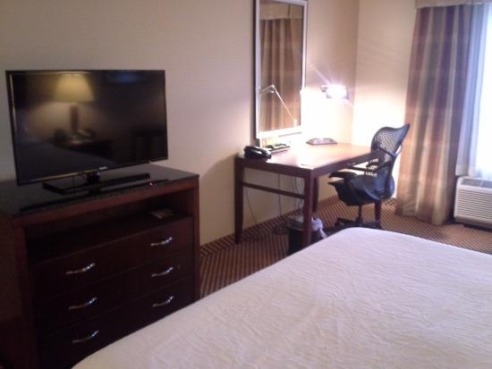 Hilton Garden Inn Riverhead: Room2