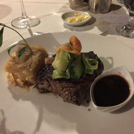 El Remanso Lodge: New Years Eve Dinner