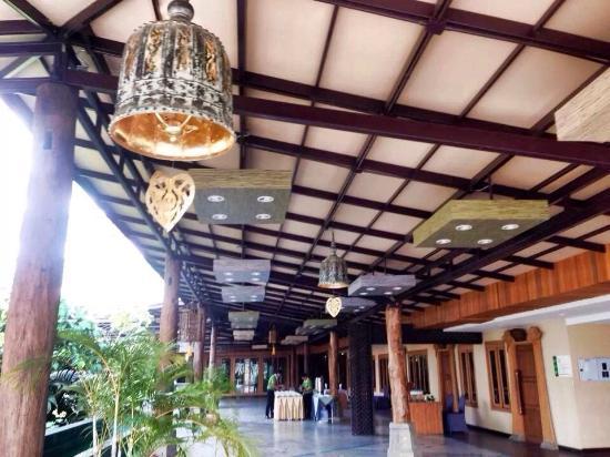 Khum Phucome Hotel: Hotel surroundings pt2
