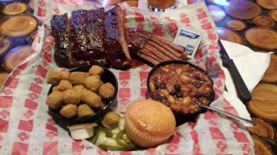 Nordy's Bar-B-Que & Grill : St Louis Rib and meat combo!