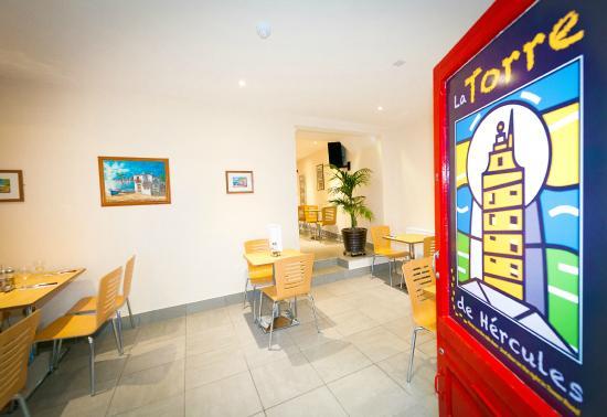 Earl Shilton, UK: Front door and Interior of Restaurant