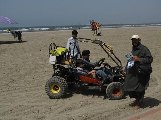 Clifton Beach : A buggy without seatbelt