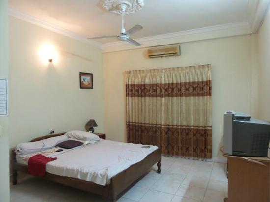 Oral D' Angkor : Room 215