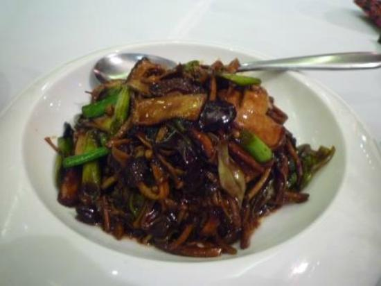 Pin Chuan (Taojiang): キノコのあんかけ炒め