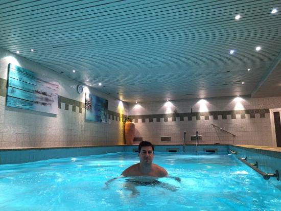 Leonardo Hotel Cologne : Piscina
