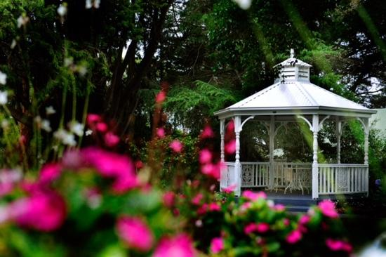 Linley Estate: Beautiful gardens and recently restored Gazebo