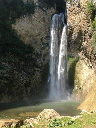 Sanski-Most, Βοσνία - Ερζεγοβίνη: The Bliha Waterfall is quite impressive itself, being 56 metres high and 10 metres wide.