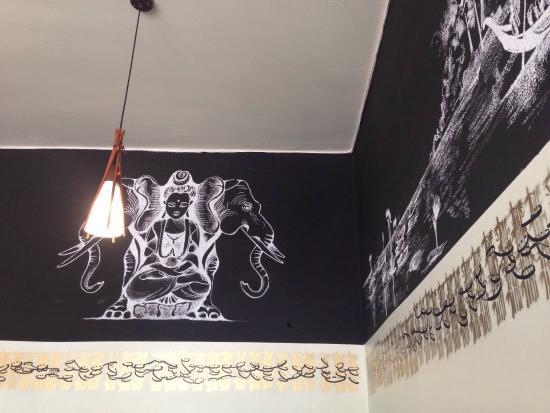 Foto de siam thai santiago sus paredes con dibujos en - Paredes con dibujos ...