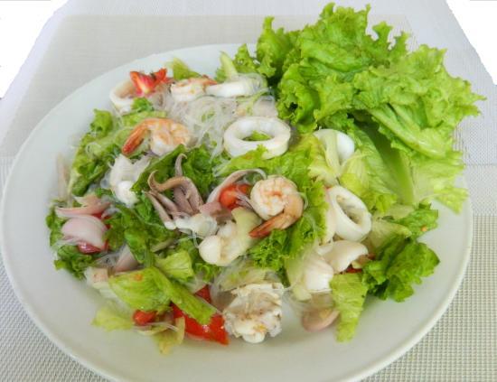 Sala Thai Restaurant : Yam Woon Sen_Sea Food Salad  -16,000 Tzs (8,5 USD)