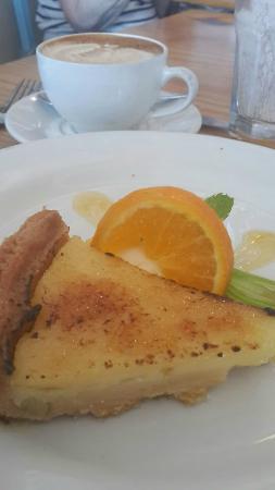 Olympia Cafe and Deli: lemon tart