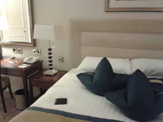 Westbury Mayfair: Bed