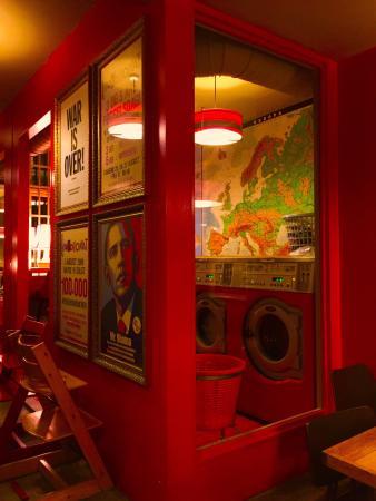 Laundromat Cafe: Inside