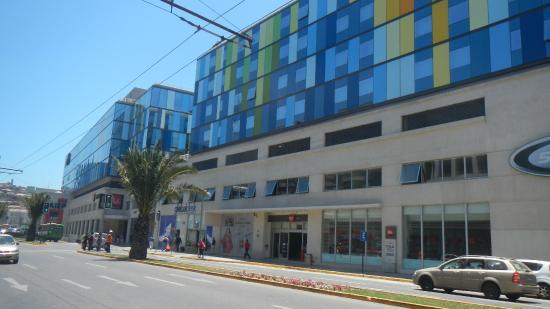 Fachada del hotel fotograf a de ibis valparaiso for Hotel ibis valparaiso