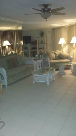 1800 أتلانتيك سويتس: Our suite A111