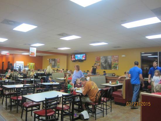 CiCi's Pizza: dining area