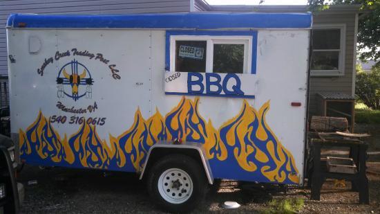 Berkeley Springs, Virginia Occidental: road side BBQ