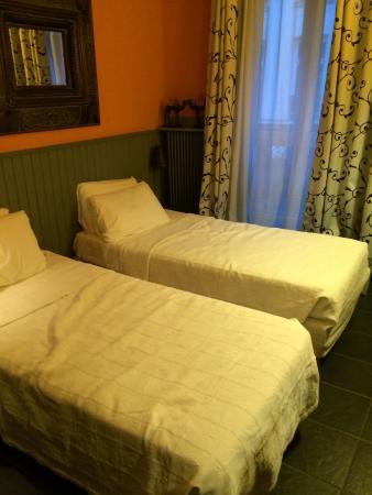 Hotel Monte Carlo : bed room