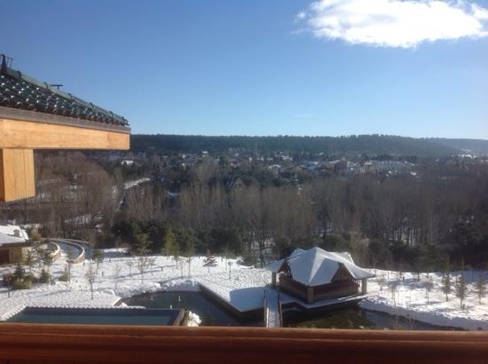 Michlifen Ifrane Suites & Spa: vue de chambre