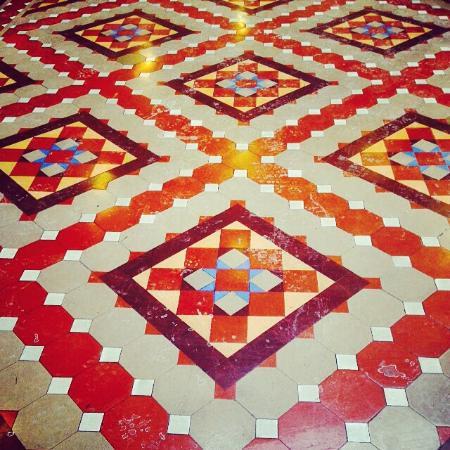 Hilton Garden Inn Milwaukee Downtown: Beautiful historic floors