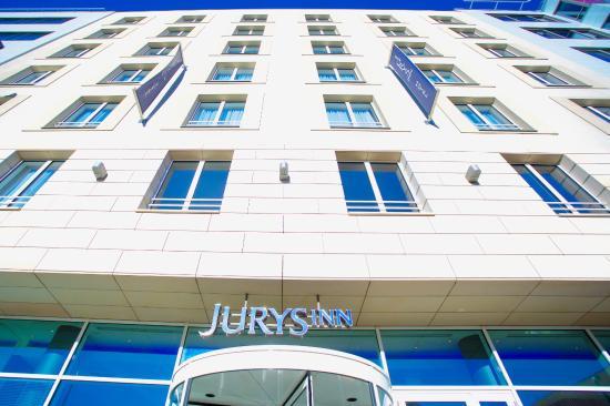 Jurys Inn Hotel Prague: Modern Hotel Building