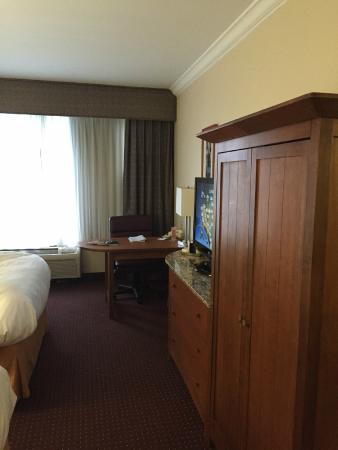 Radisson Hotel Cleveland - Gateway: General view of the room - note the cabinet/closet (no built-in closet)