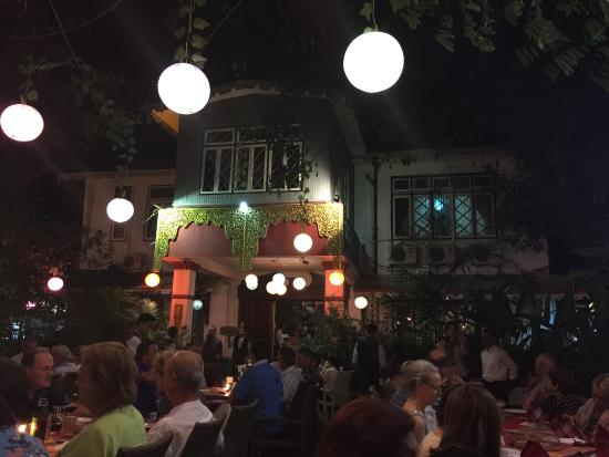 Padonmar Restaurant: Vista do jardim